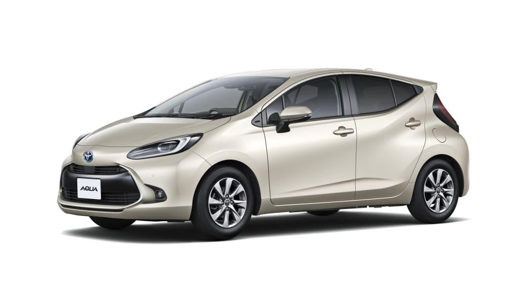 Toyota-Aqua-2nd-generation-carmandee-New-car